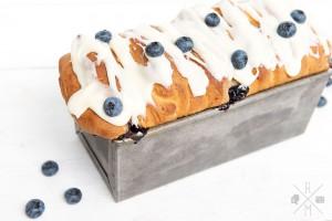 Blaubeer Brioche mit Frischkäse Frosting   relleomein.de #sweetsunday #brioche #blaubeer #kuchen