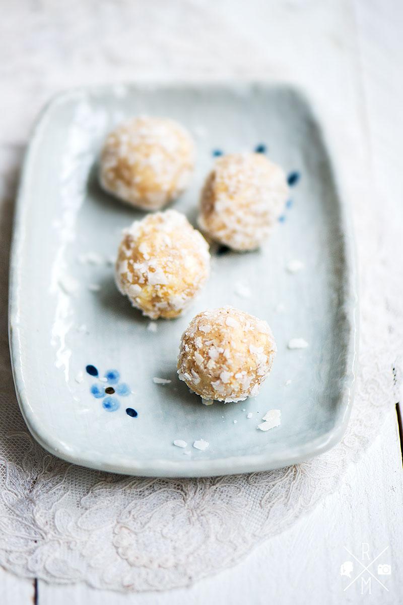 Kokoskugeln mit Puffreis