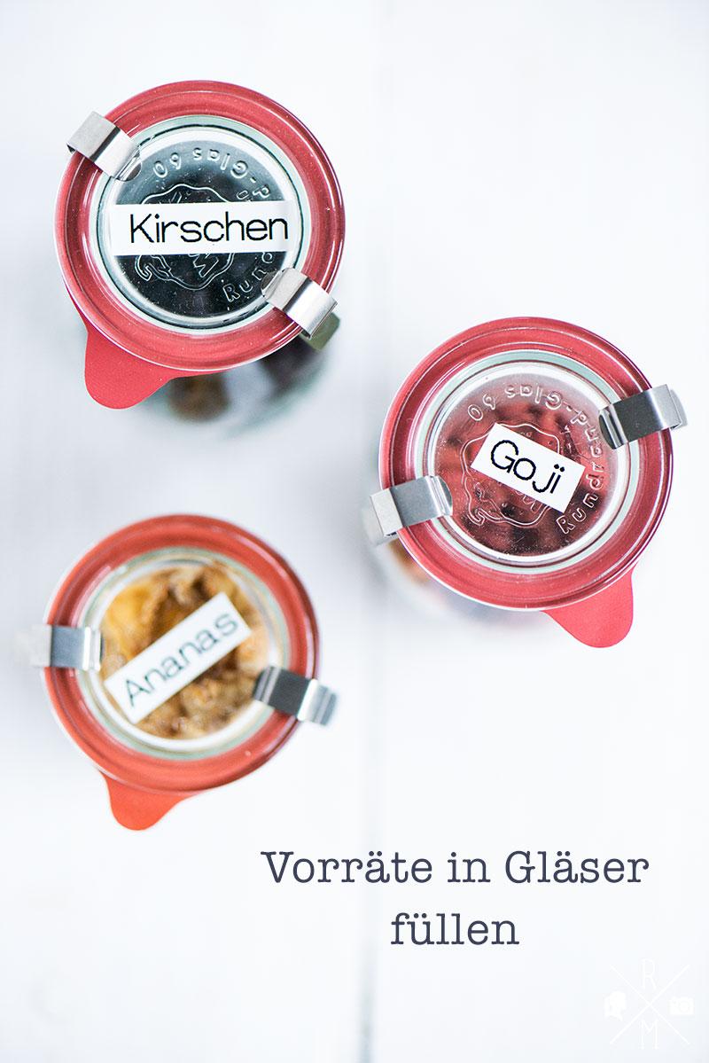 Endlich Ordnung im Küchenschrank - Vorräte in Gläser umfüllen | relleomein.de #organize #ordnung #pantry #declutter #weck